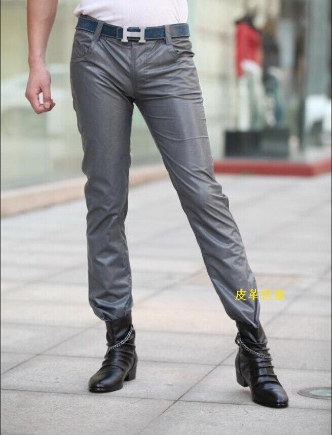 الرجال جديد الأزياء الكورية بنطال جلدي الدخان الرمادي ضئيلة الذكور السراويل ملهى ليلي العروض كبيرة حجم دراجة نارية بنطال جلدي