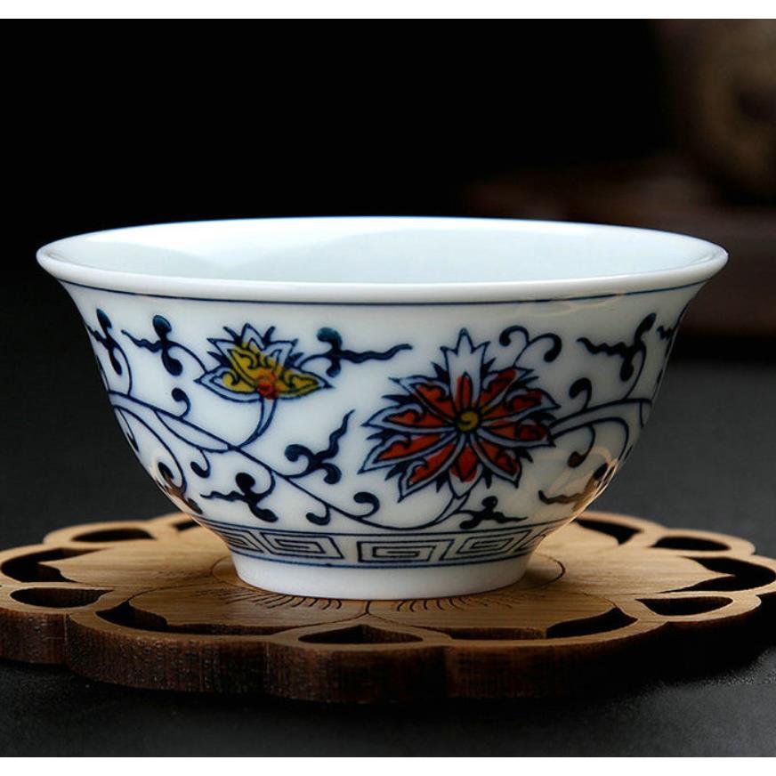 """King Tea Mall"" porcelana azul y blanca) taza de té de diseño de loto Twining 2 variaciones Twining Lotus Gaiwan para té chino Gongfu"