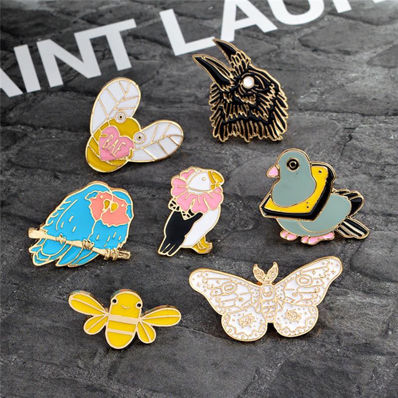 LNRRABC, novedad de 2018, pin de dibujos animados, producto en oferta, Collar de Animal, camiseta, insignia, pin, ramillete, Metal, mariposa, águila, abeja, broche stranger things