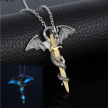 Bijoux lumineux Dragon épée pendentif collier jeu de trône cou dentelle lueur dans le noir Anime collier pour hommes cadeaux de noël