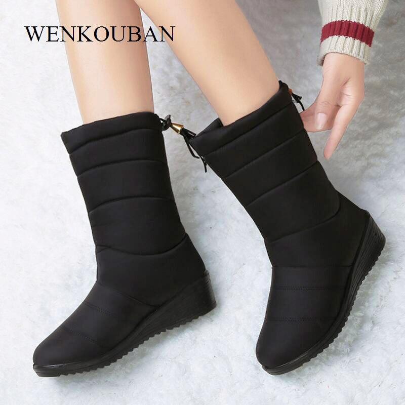 Botas de inverno à prova dwaterproof água sapatos femininos meados de bezerro para baixo botas senhoras quentes botas de neve cunha borracha pelúcia botas mujer 2020