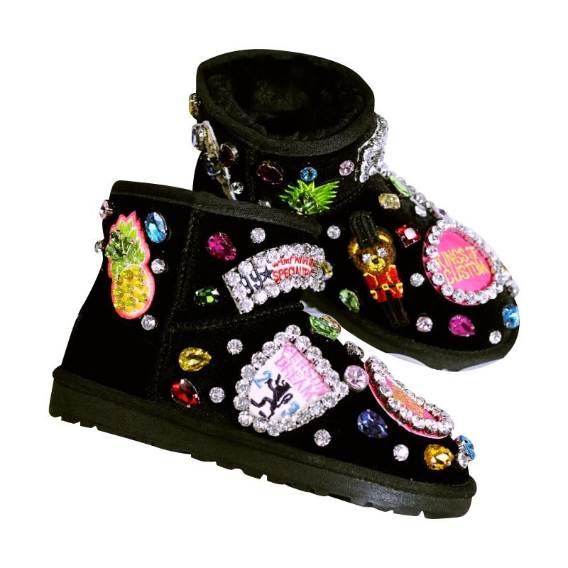 أسود الشتاء أحذية امرأة لامعة بلورات الدافئة الفراء شقة الثلوج الأحذية 2018 اليدوية بلينغ الراين حذاء من الجلد النساء حجم كبير