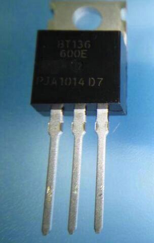 100% Original Novo BT136 600E BT136-600E 4A 600 v Triacs portão sensíveis A-220 IC x 100 pcs Conector
