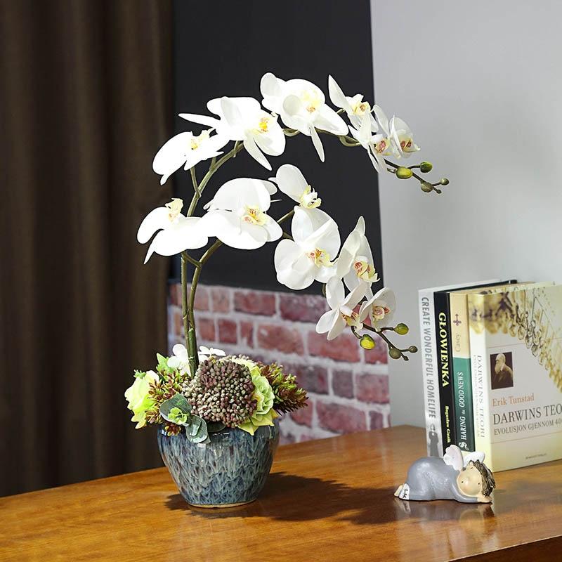 Flores artificiales de orquídeas blancas de seda Real al tacto florero de orquídeas de mariposa de plástico flor falsa para decoración de fiesta en casa de boda