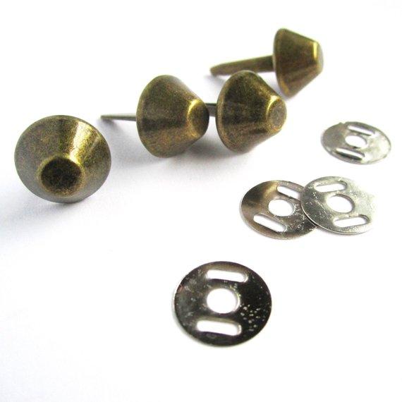 Bolsa Unhas Rebites- Ouro Prata ou Bronze 12mm Pés