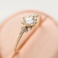 IPARAM Shiny Gold Crystal Lady Finger Ring Fashion Classic Rhinestone Crystal Geometry Engagement Ring Wedding Party Jewelry