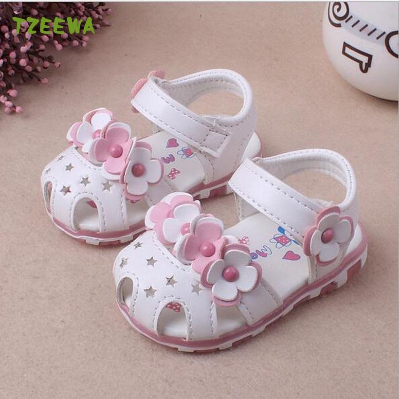 Macio Meninas Sapatos de Praia Sandálias Da Menina Do Bebê Verão Sapatos Da Criança Flor Bebek Sandalet Sandálias Do Bebê Sapatos de Bebê Moda