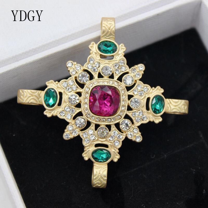 YDGY Retro Weinberg Kristall Strass Vier Blätter Gold Ton Rote Stein Grün Schlüssel Kreuz Blütenblatt Pins