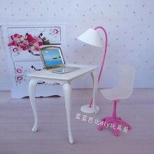 Gratis Verzending, pop speelhuis pop meubels bureau + lamp + laptop + stoel accessoires voor Barbie Pop