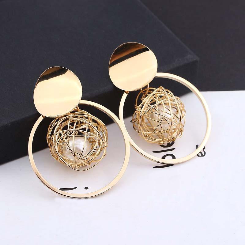 ¡Novedad de 2018! Pendientes redondos de color oro nuevo para mujer, pendientes geométricos con perla de bola hueca, pendientes en forma de gota para mujer, joyería de moda