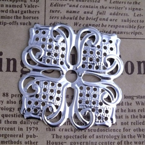 Free shipping 100piece/lot 40*40mm silver plated Tone Filigree Square flower Wraps Jewelry Findings Connectors