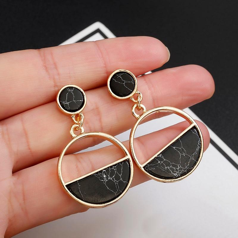 2020 New Fashion Stud Earrings Black White Stone Geometric Earrings Round Triangle Design Punk Ear Jewelry Brincos