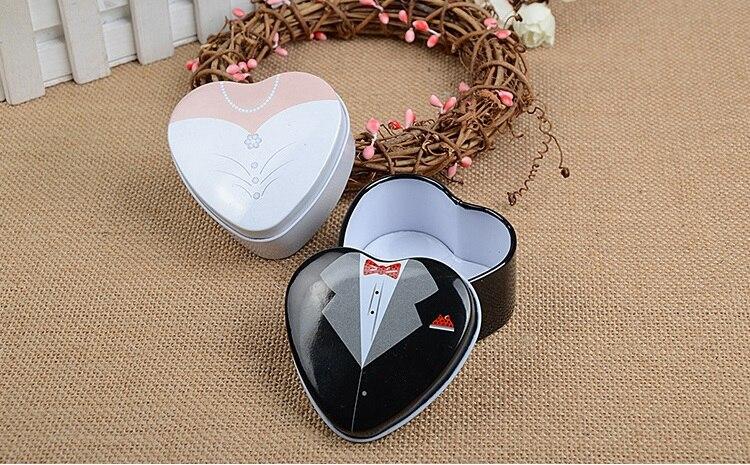 150 Uds estaño en forma de corazón cajas para boda ceremonia fiesta favores regalos esmoquin diseño de vestir Candy Box wen6336