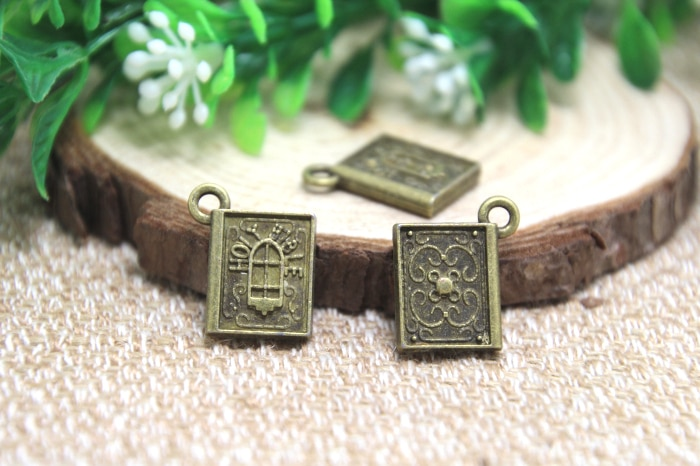 10pcs -- Encantos Bíblia Sagrada, Antique bronze tone Pingentes Encantos Da Bíblia Sagrada 13x15mm