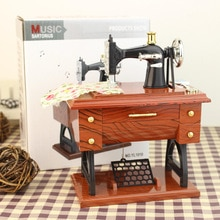 Creative Gift Retro Sewing Machine Music Box Sartorius Clockwork Style Mechanical Musical Toy Home D