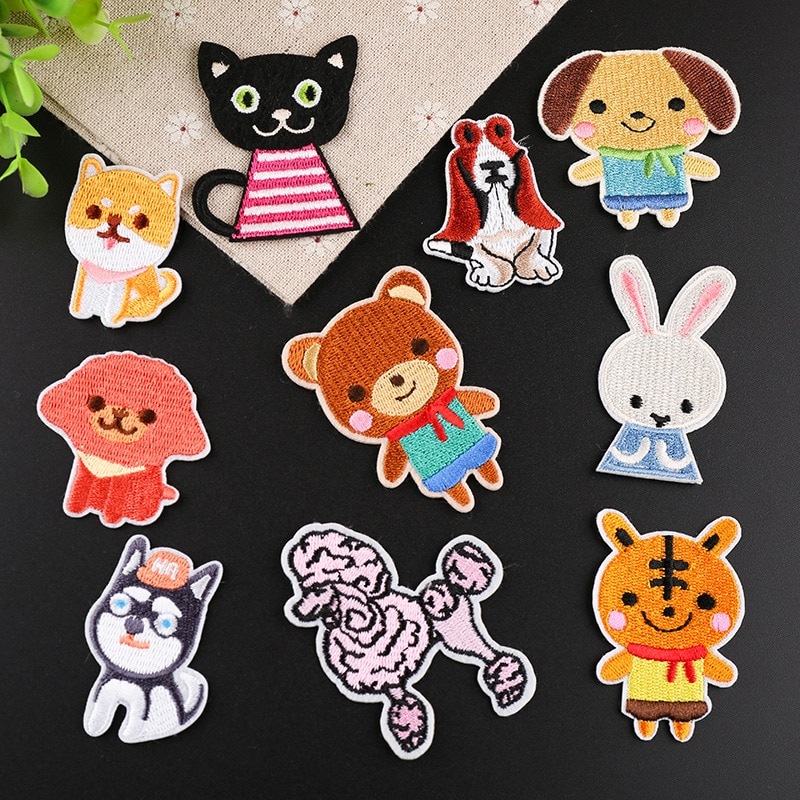 PGY 1PCS  Animal Black cat Tiger Little bear Patch Iron Badge Patches Embroidered Akita dog Patch Clothes Stickers Free distribu