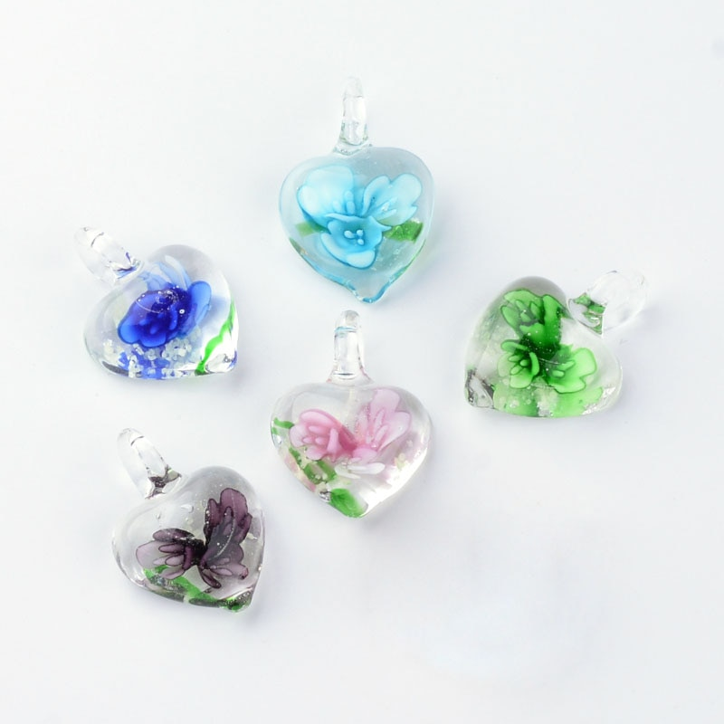 50 peças Feitas À Mão Luminosos Lampwork Pingentes de Coração com Flores Interior DIY jóia Que Faz fontes 23x9 33x21 27 ~ ~ ~ 11mm, hole 4 ~ 7mm