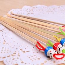 5 pçs/lote bonito mini boneca earpicks madeira bambu orelha picaretas removedor de cera mais limpo ferramenta de cuidados da orelha cor aleatória venda quente