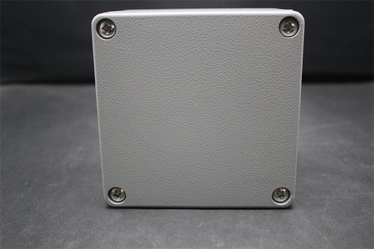 Caja de carcasa de aluminio impermeable eléctrica IP66 de alta calidad 120*120*85MM con 4 tornillos