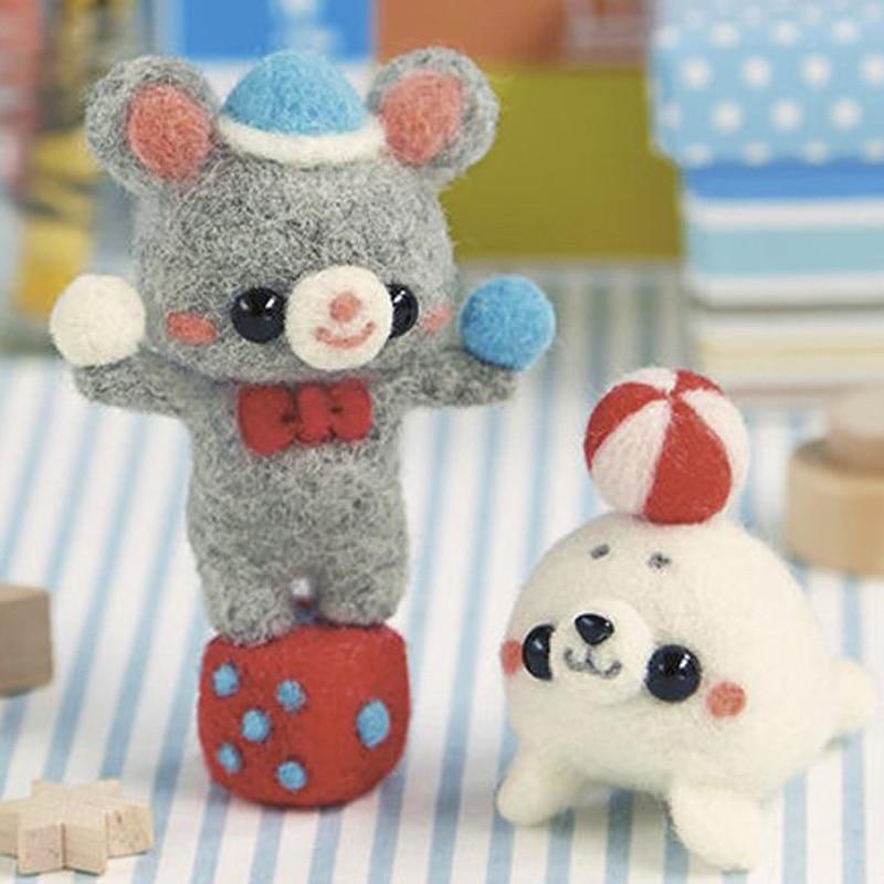 2019 tropa de circo de dibujos animados oso y Delfín lana aguja de fieltro muñeca de lana fieltro Poked aguja Kit DIY paquete sin terminar