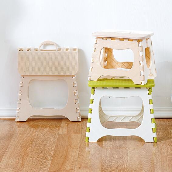 Engrossar Etapa de plástico Dobrável Fezes Portátil cadeira de Criança (Bege verde) 1 pc Dobrável fezes de pesca ao ar livre mesa C606 23*19.3*17.5 cm