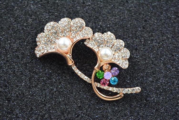 2020 Boutique Flor de moda perla broche de cristal de swarovscis joyería Europea gran oferta
