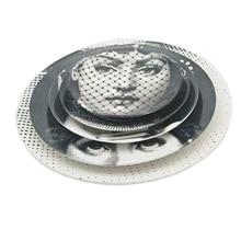 Assiette de visage naturel artistique vaisselle murale   Style nordique, blanc noir décor de maison, visage Lina assiette ronde en céramique ornement de bureau