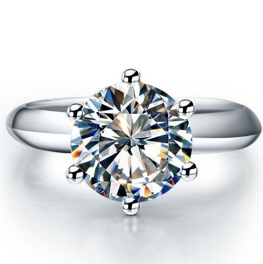 ¡Oferta! Excelente anillo de compromiso de 1,5 quilates de diamantes sintéticos brillantes redondos de estilo de marca superior para su anillo de plata esterlina