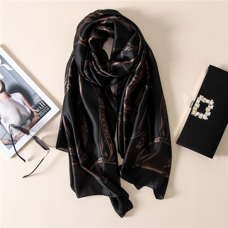 Bufanda de seda 2017 de marca de lujo hijab, bufanda de moda, bufanda negra con cadena para mujer, pañuelo estampado, bufandas para mujer Sjaal