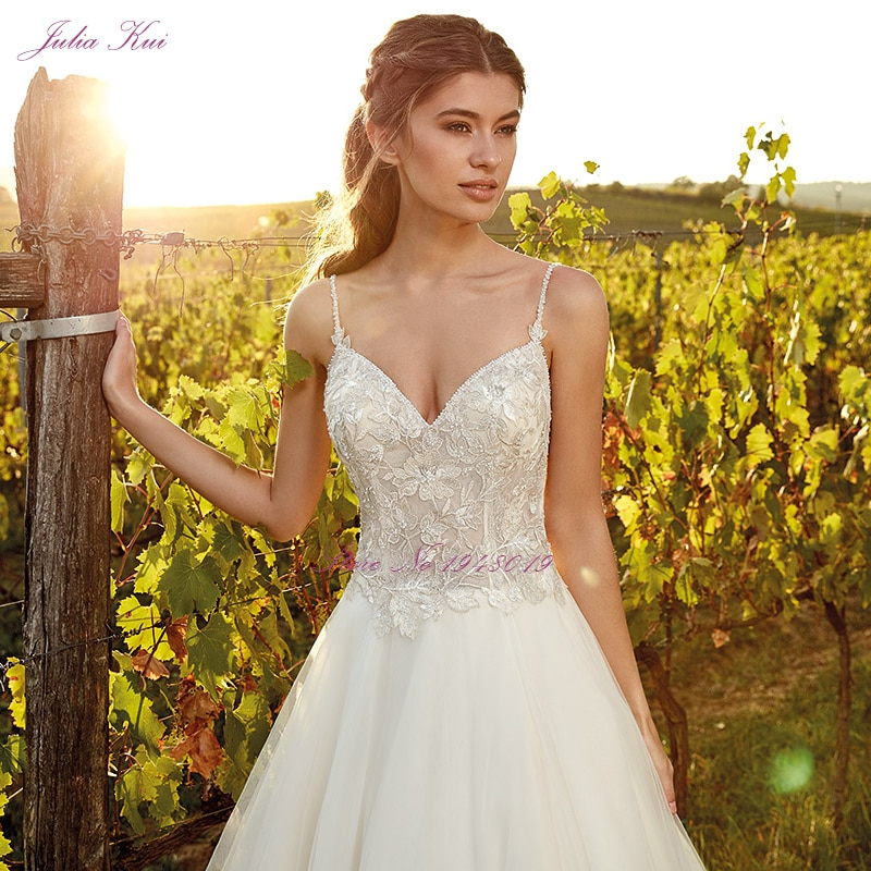 Julia Kui V-Neckline A-Line Wedding Dress With Spaghetti Straps Backless Simple vestido de novia