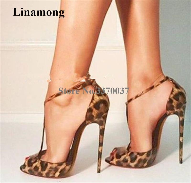 حذاء نسائي بكعب عالٍ من الجلد اللامع ، حذاء رسمي ، بعلامة تجارية ، بمقدمة مفتوحة ، جلد النمر ، حزام T