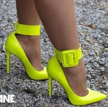 Kaeve été pointu Stiletto mode Sexy grande boucle jaune talons hauts chaussures en caoutchouc italien ensemble de sacs