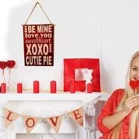 Plaques de porte murale en bois  lettre  decoration douce pour la saint-valentin