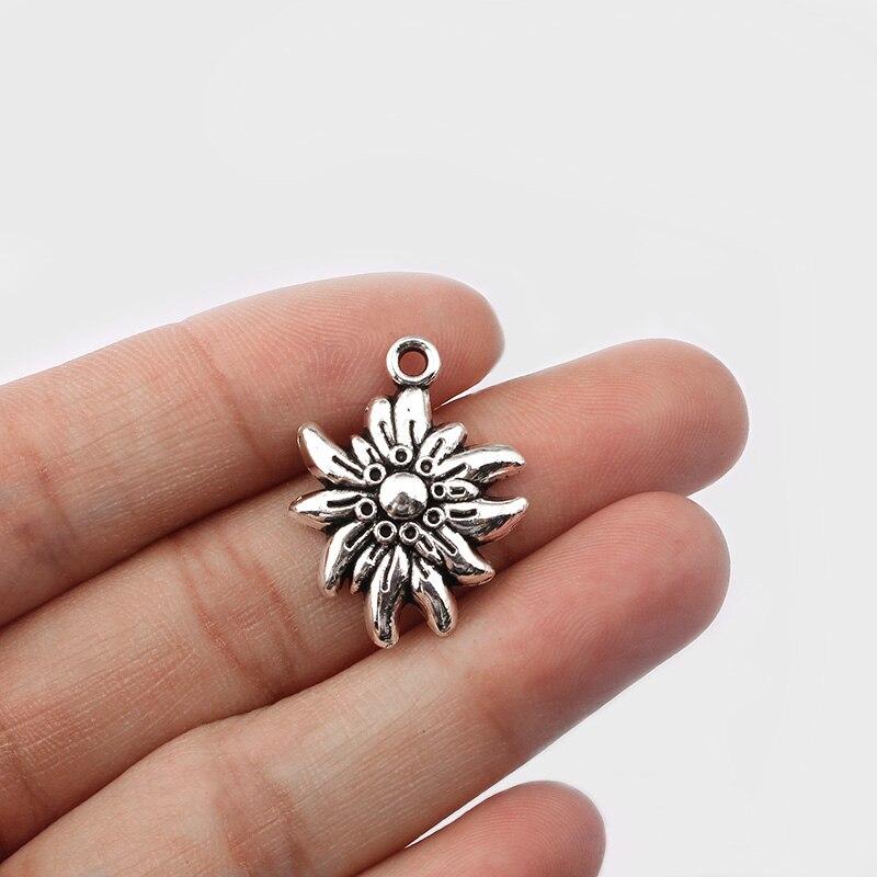 20 pçs cor de prata antigo em relevo edelweiss flor charme pingente colar jóias descobertas para diy artesanal