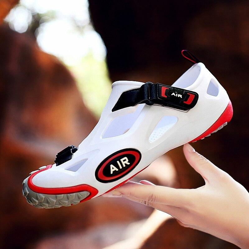 Marque unisexe eau Aqua chaussures hommes en plein air respirant antidérapant plage sandales femmes chaussures de Sport pieds nus en amont Wading baskets