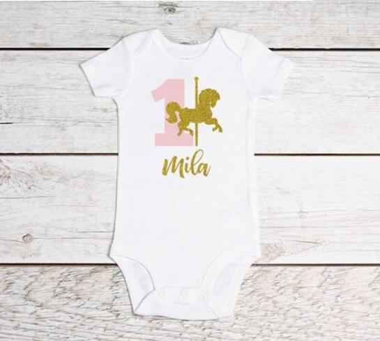 Personalizar o nome Do cavalo Do Carrossel aniversário princesa bodysuit onepiece idade toodles quebra do bolo colete top Tutu Outfit Set favores do partido