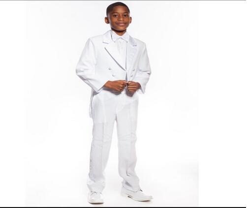 Tuxedo de niño blanco a medida niños muesca solapa tuxedos custome Homme Boys Wedding Party Prom Suit 2017 (chaqueta + Pantalones + pajarita)
