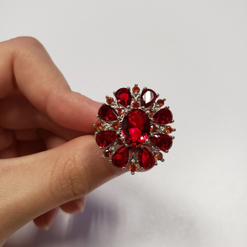 Elegant Flower Shape inlaid Red Zircon Ring for Women European Female Engagement Wedding Ring Jewelry US Size 6-10 bague femme