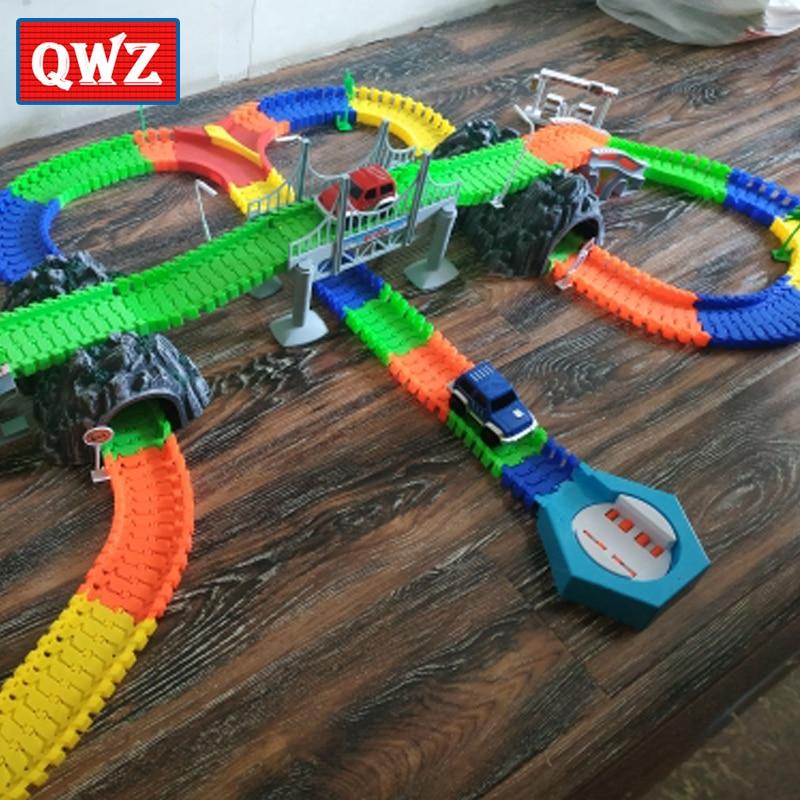 Qwz estrada de ferro luminoso corrida pista flexível jogo curva brilho no escuro eletrônico luz pista de corrida carro diy brinquedos para crianças presente