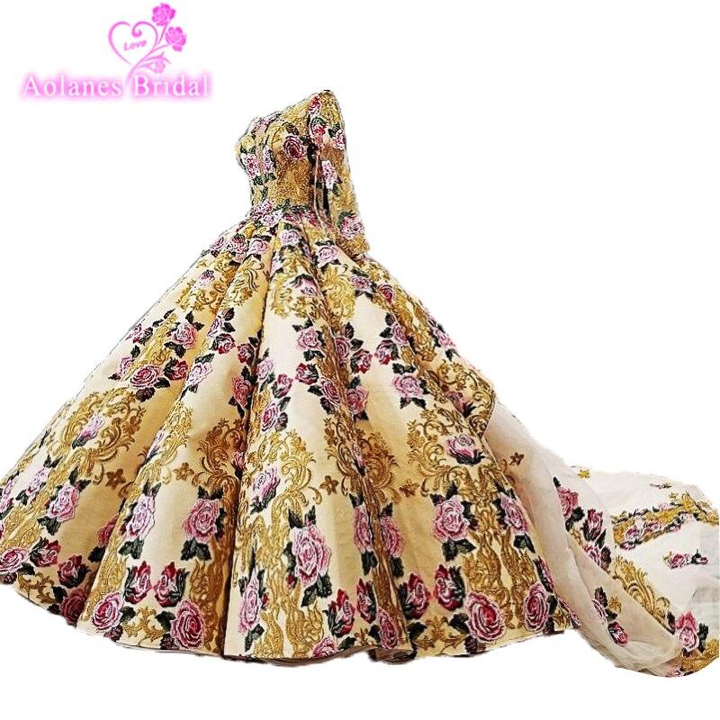 Vestido de boda Castillo Iglesia vestido de fiesta fuera del hombro con manga larga 2018 Modest 3D Floral Lace cola real vestidos de novia