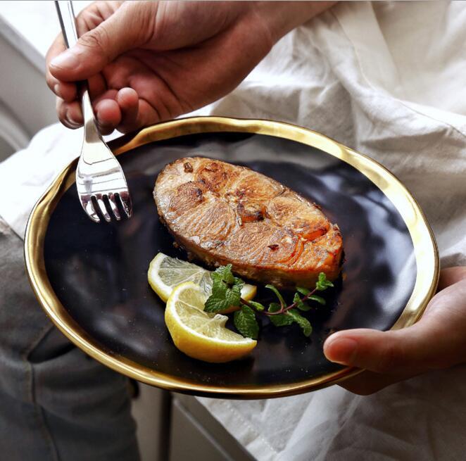 8 pulgadas/10 pulgadas Cena plato de comida oro embutido redondo placas platos de lujo trabajo hecho a mano bandeja de alimentos plato de vajilla de cocina plato de arroz negro
