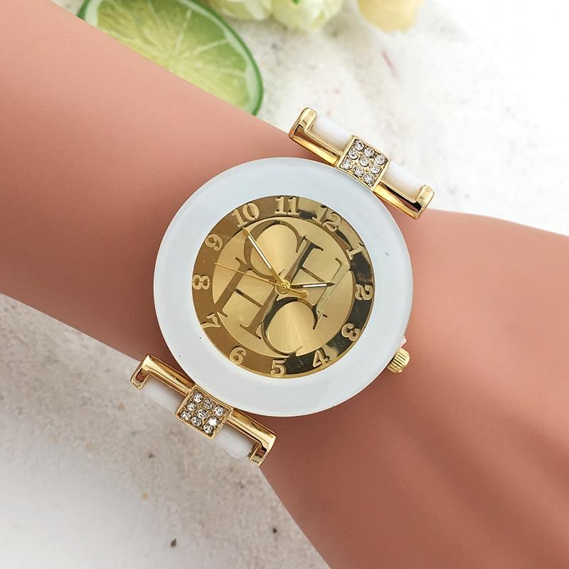 2021 new silicone watch for women   Leisure quartz watch women's sports Gold Crystal Watch HOT wrist