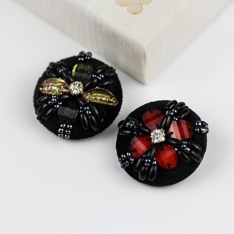 4 unids/lote diámetro 33MM abrigo de alta calidad perla botón cosido a mano con cuentas hebilla lana abrigo decorativo hebilla suéter botón C019