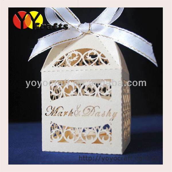 Wedding favor boxes decorative names bride and groom wedding favor box