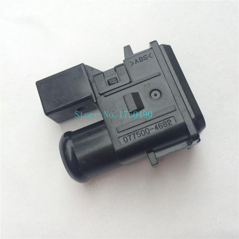 Original Air Temperature Sensor COOLER (ROOM TEMP. SENSOR)THERMISTOR For TOYOTA Corolla Wish Yaris Prius 077500-4682 88625-47021