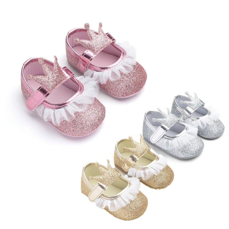 Recién Nacido bebé niña fiesta princesa Bling zapatos de encaje corona brillo zapatos de Bebe lindo Prewalker Anti-deslizamiento suela suave zapatillas de deporte Zapatos