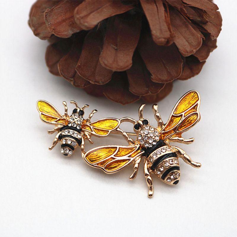 Broche de abeja, ramillete esmaltado, joyería de decoración, exquisito broche de insecto de lujo, insignia de diamante de imitación, Pin amarillo, regalos de navidad antiguos