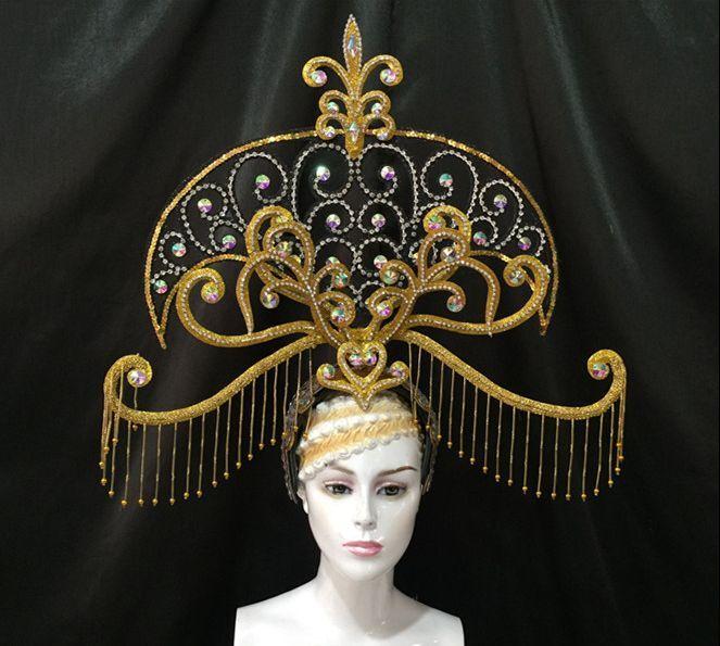 Brasil río español Cuba Santiago La Habana Venecia Dionysia carnaval máscara flotante vestido máscara traje de baile samba plumaje plume Headd