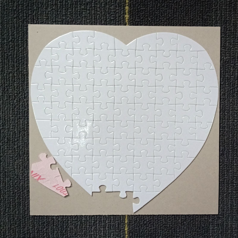 شحن مجاني 10 قطعة التسامي فارغة لغز DIY الحرفية القلب اللغز