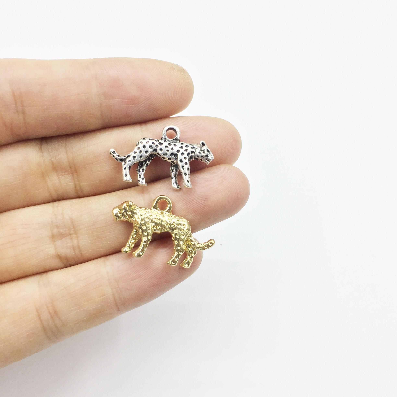 Eruifa 10pcs 15*25mm Pretty Leopard Zinc alloy Jewelry DIY Charms Pendant Necklace,Eearrings  2 Colors